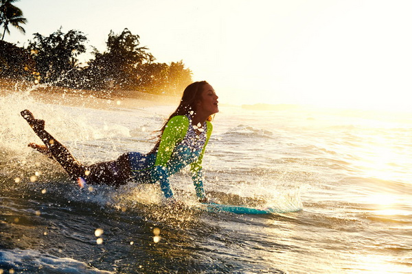 Cinque delle migliori spiagge al mondo per fare surf e AcquaBike